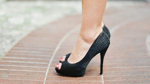 จุดกำเนิดของรองเท้าส้นสูง