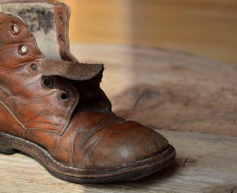 ต้นกำเนิดและประวัติความเป็นมาของรองเท้า