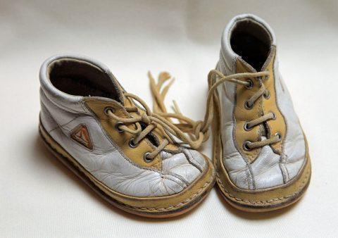 เทคนิคการดูแลรักษารองเท้าหนัง ในช่วงฤดูฝน