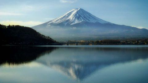 ภูเขาไฟฟูจิ สัญลักษณ์ของญี่ปุ่นภูเขาที่สูงและงดงามที่สุดในญี่ปุ่น