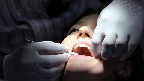 ฟันคุดคืออะไร มาทำความรู้จักฟันคุด พร้อมแนะนำแนวทางการรักษาเบื้องต้น