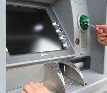 บัตรกดเงินสดคืออะไร มีข้อดีข้อเสียอย่างไร มาทำความรู้จักกัน